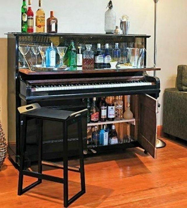 Старі піаніно перетворили у стильні меблі: ідеї для декору - фото 363384