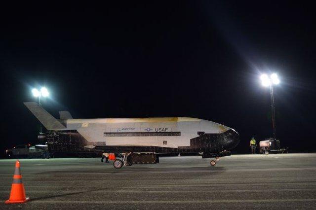 З космосу повернувся найзагадковіший космічний апарат NASA - фото 364167