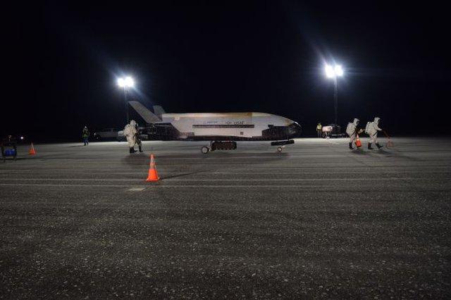 З космосу повернувся найзагадковіший космічний апарат NASA - фото 364168