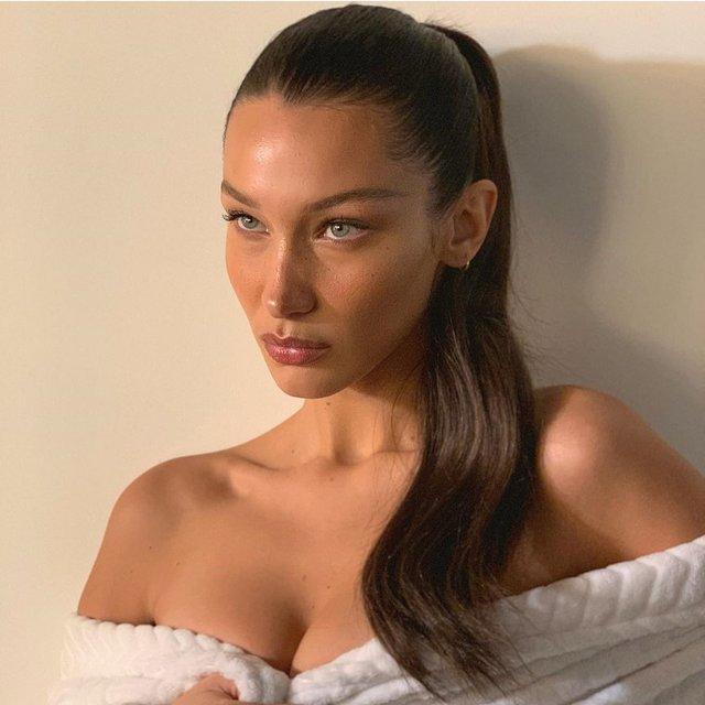 Сексуальна Белла Хадід лише в халаті підкорила Instagram - фото 364738