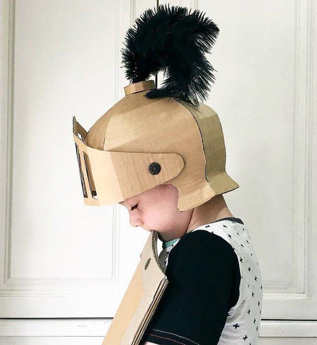 Австралійка робить картонні костюми на Хеловін, які дивують (фото) - фото 364822