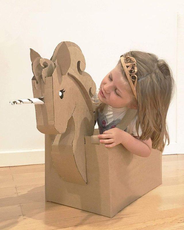 Австралійка робить картонні костюми на Хеловін, які дивують (фото) - фото 364827