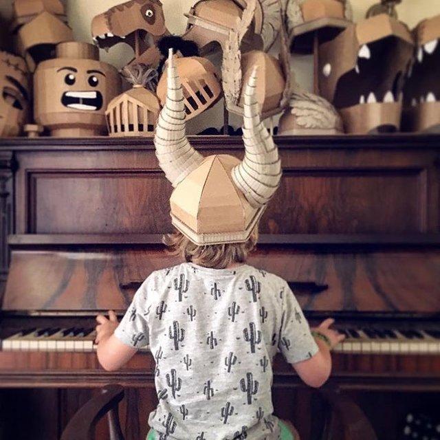 Австралійка робить картонні костюми на Хеловін, які дивують (фото) - фото 364833