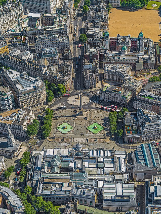 Фотограф показав Лондон, який ніколи не бачать туристи - фото 365002