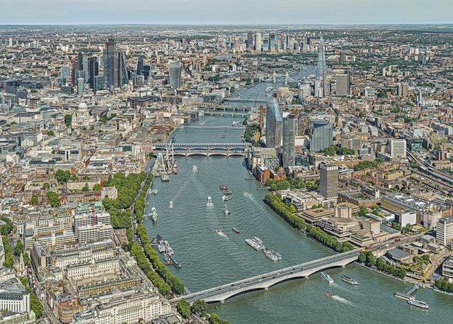 Фотограф показав Лондон, який ніколи не бачать туристи - фото 365003