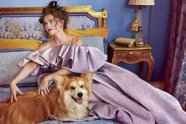 Зірка Гаррі Поттера знялась у розкішній фотосесії: Єлизавета ІІ оцінила б - фото 365272