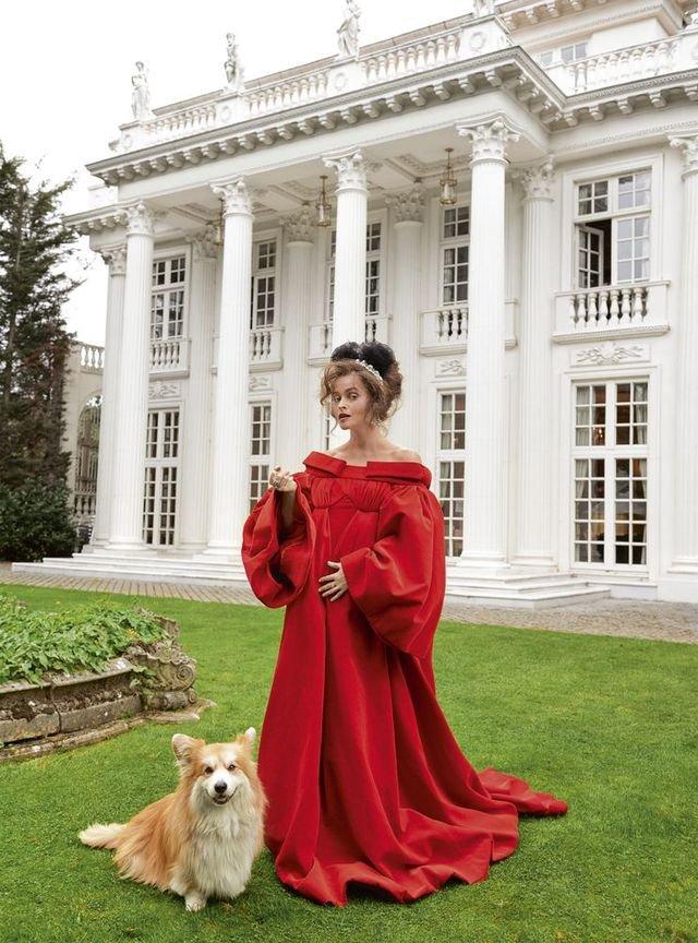 Зірка Гаррі Поттера знялась у розкішній фотосесії: Єлизавета ІІ оцінила б - фото 365274