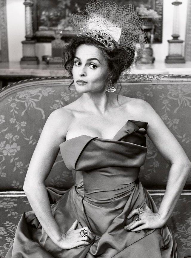 Зірка Гаррі Поттера знялась у розкішній фотосесії: Єлизавета ІІ оцінила б - фото 365276