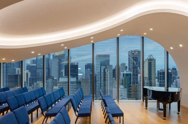 У Гонконзі побудували церкву-хмарочос: споруда вражає - фото 365352
