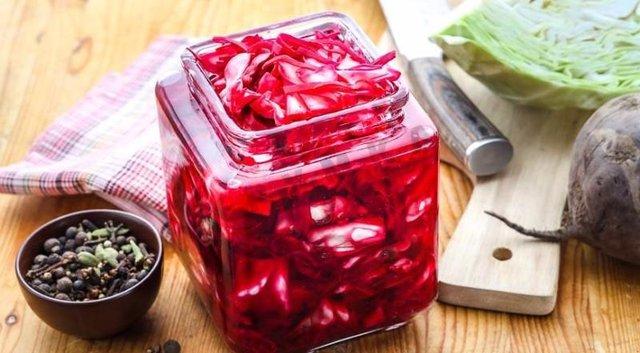 Маринована капуста на зиму: прості рецепти швидкого приготування - фото 365406
