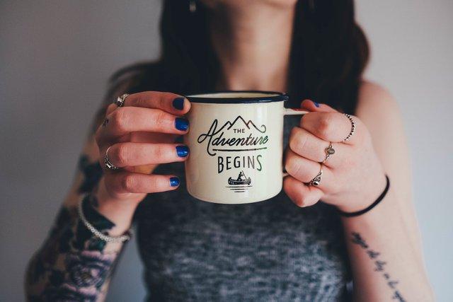 Не варто зловживати кавою у дорослому віці - фото 365414