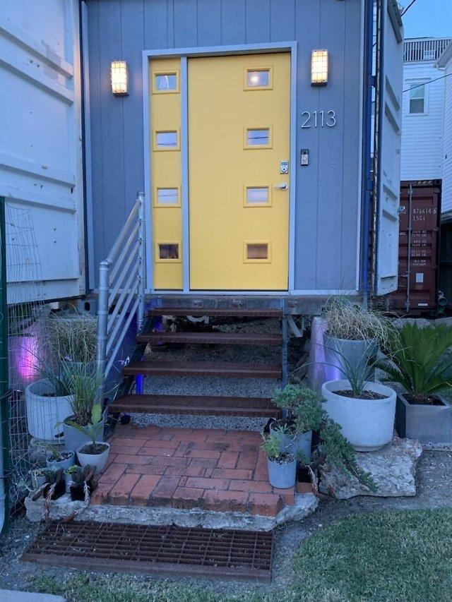 Дизайнер звів дім своєї мрії з вантажних контейнерів (фото) - фото 365423
