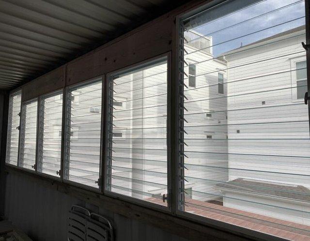 Дизайнер звів дім своєї мрії з вантажних контейнерів (фото) - фото 365425