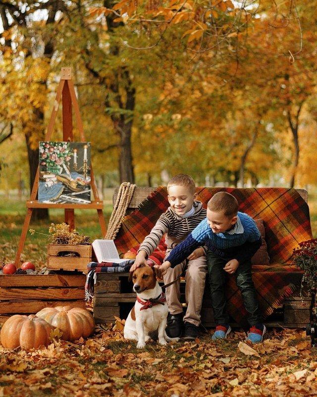 Пози для осінньої фотосесії: ідеї, як зробити гарне фото для Instagram - фото 365499