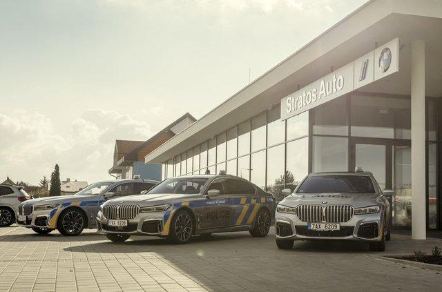 На стражі порядку: чеські копи їздитимуть на новеньких BMW 7 серії - фото 365961