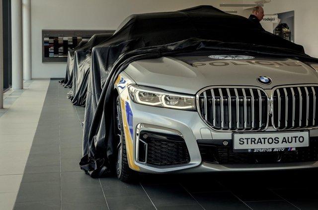 На стражі порядку: чеські копи їздитимуть на новеньких BMW 7 серії - фото 365963