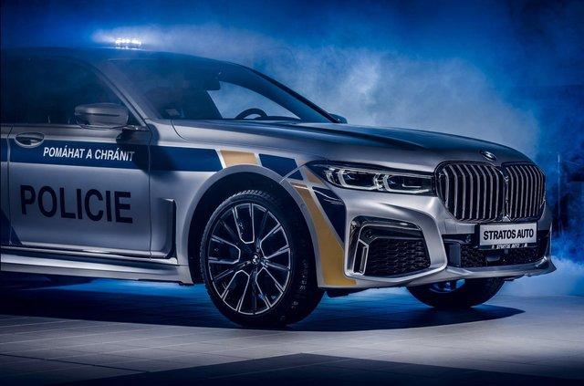 На стражі порядку: чеські копи їздитимуть на новеньких BMW 7 серії - фото 365968