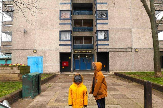 Реальне життя на околицях Лондона: захопливі фото - фото 366187