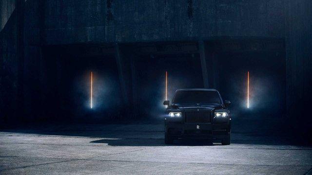 Rolls-Royce випустив розкішну версію кросовера для багатіїв - фото 366770