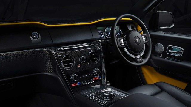 Rolls-Royce випустив розкішну версію кросовера для багатіїв - фото 366773