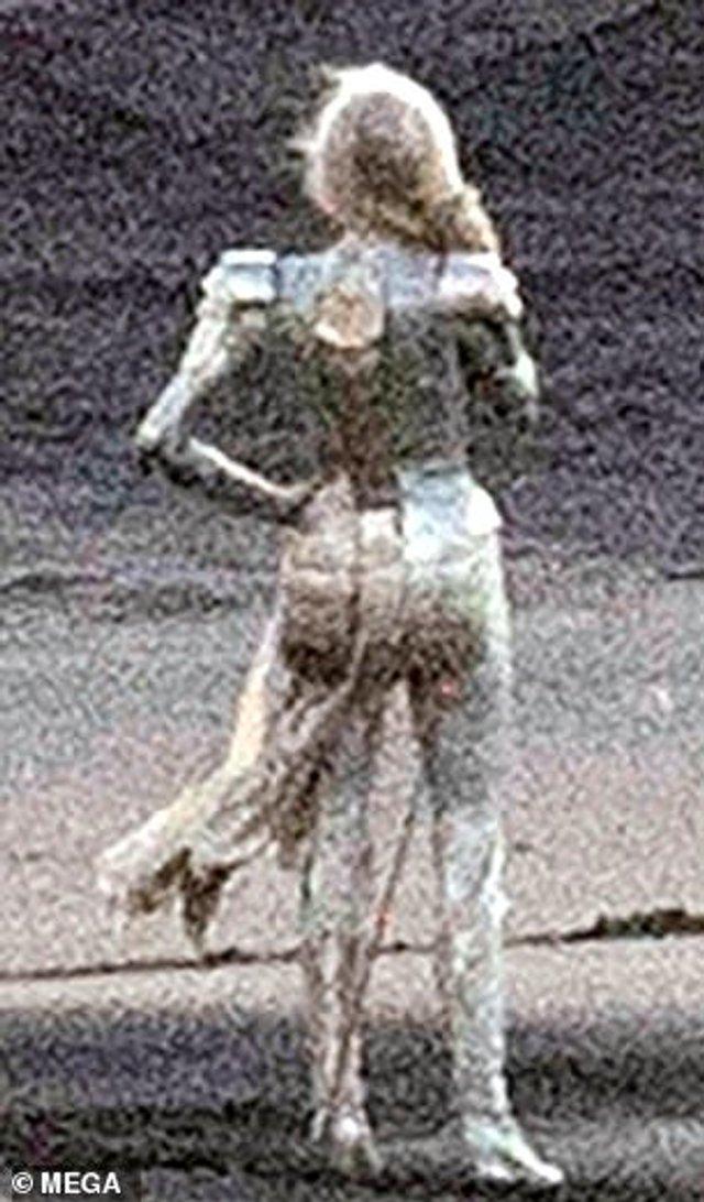 З'явилися перші фото Анджеліни Джолі з нового фільму Marvel - фото 366824