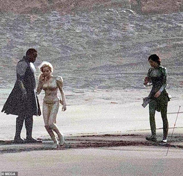 З'явилися перші фото Анджеліни Джолі з нового фільму Marvel - фото 366825