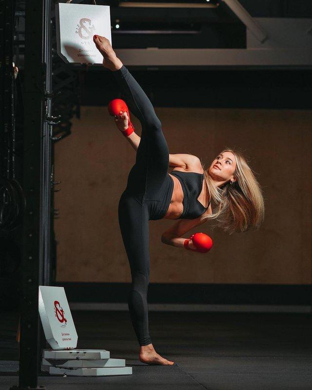 Українка Анжеліка Терлюга стала найкращою каратисткою світу: ефектні фото красуні - фото 366878