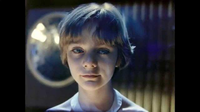 Гостя з майбутнього: як змінилися актори фільму нашого дитинства - фото 366887