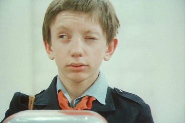 Гостя з майбутнього: як змінилися актори фільму нашого дитинства - фото 366891