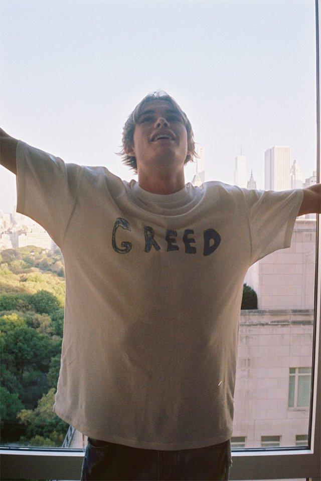 7 смертних гріхів: австралійський бренд випустив незвичайну колекцію одягу - фото 367003