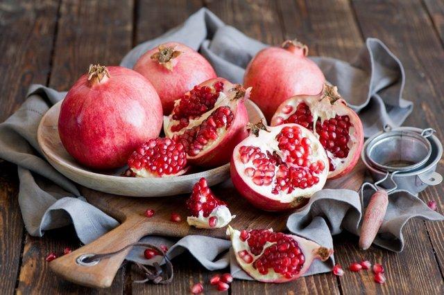 Ці фрукти особливо корисно їсти взимку - фото 367421