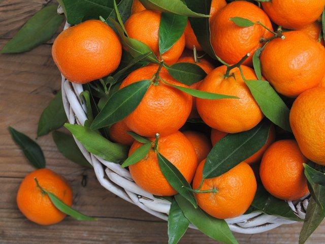 Ці фрукти особливо корисно їсти взимку - фото 367422