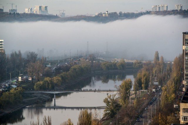 Київ оточила стіна туману: кадри незвичайного явища - фото 367493
