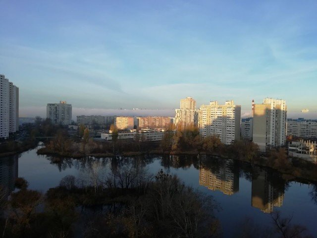 Київ оточила стіна туману: кадри незвичайного явища - фото 367496