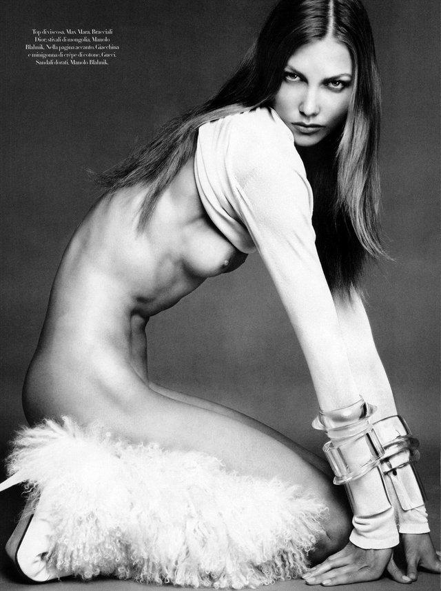 Моделі 90-х: як змінилася ідеальна Карлі Клосс (18+) - фото 367609