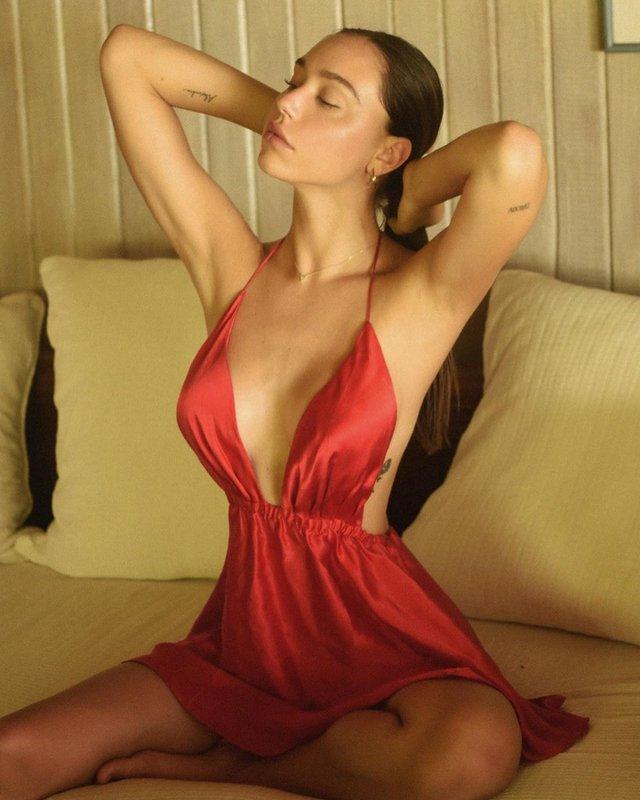 Спокуслива модель Алексіс Рен розбурхала фанів новими фото - фото 368165