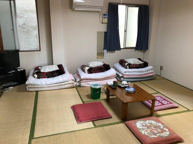 У японському готелі можна зняти номер за долар, але є одна незвичайна умова - фото 368210