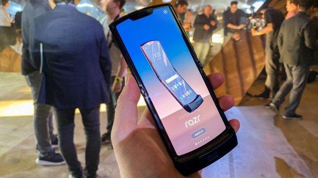 Motorola RAZR 2019: характеристики, ціна та огляд перевиданої розкладачки - фото 368346