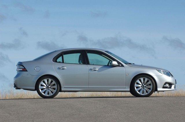 Останній справжній Saab продали за мільйон гривень - фото 368595