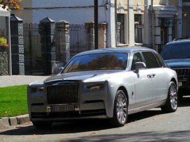 У мережі показали найрозкішніші авто, які були помічені в Україні цієї осені - фото 368637