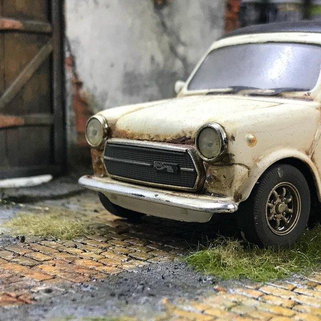 Художник створює вражаючі мініатюри авто, які змушують придивитись - фото 368819
