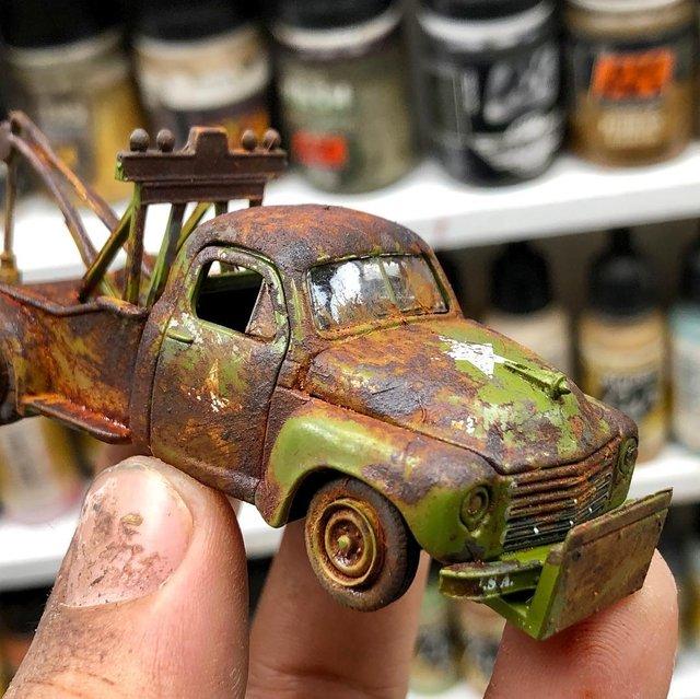 Художник створює вражаючі мініатюри авто, які змушують придивитись - фото 368821
