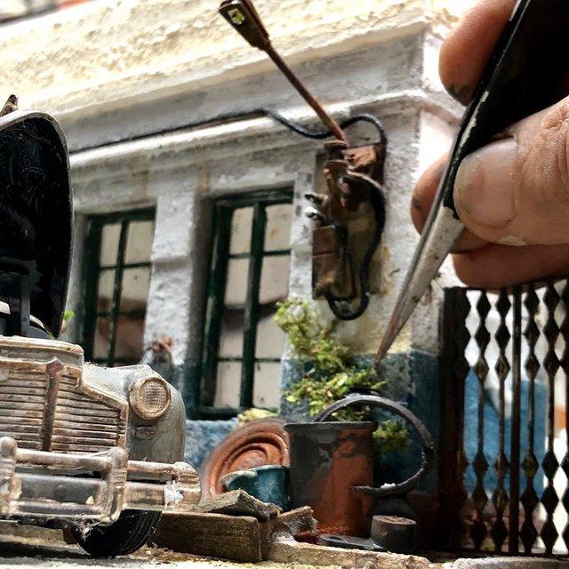 Художник створює вражаючі мініатюри авто, які змушують придивитись - фото 368823