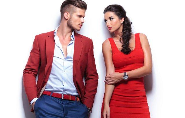 Колір одягу, який може звести чоловіків з розуму - фото 368960