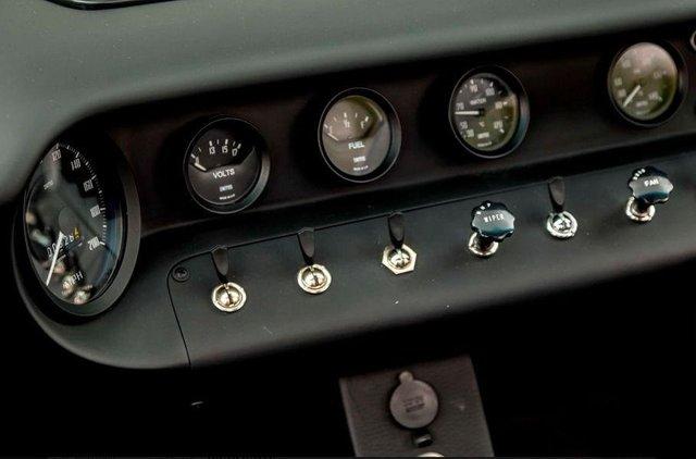 Форд проти Феррарі: гоночний Ford GT40 з фільму продають - фото 369090