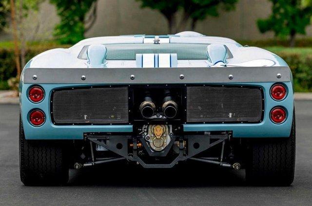 Форд проти Феррарі: гоночний Ford GT40 з фільму продають - фото 369093