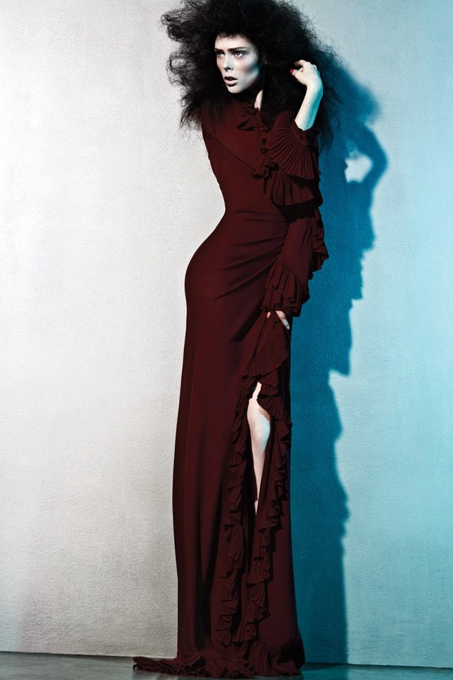 Моделі 90-х: як змінилася розкішна квітка світу моди Коко Роша (18+) - фото 369419