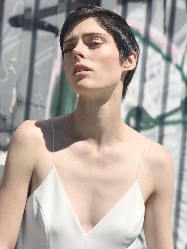 Моделі 90-х: як змінилася розкішна квітка світу моди Коко Роша (18+) - фото 369430