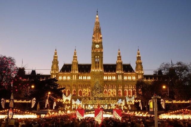 Відпочити у Відні буде дорожче - фото 369788