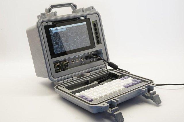 Американський винахідник розробив комп'ютер на випадок кінця світу - фото 370708